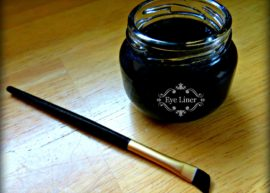 Homemade Eye Liner from The Coconut Mama