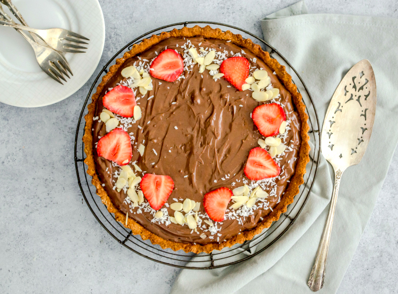 Dark Chocolate Pie (Paleo & Vegan)