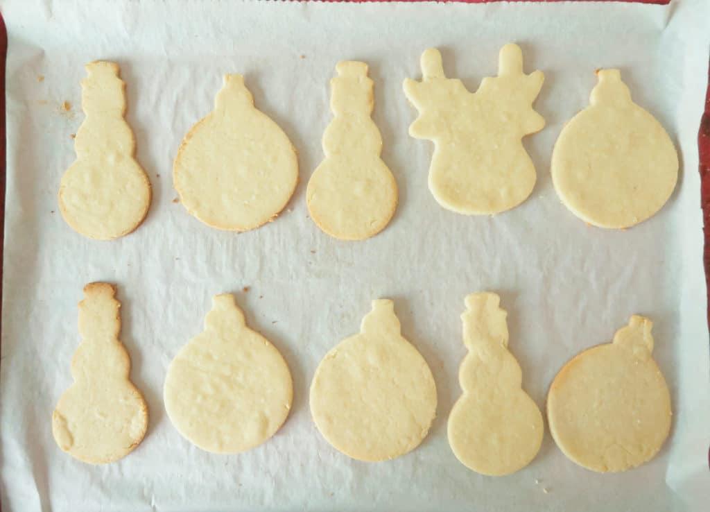 baked cookies on cookie sheet