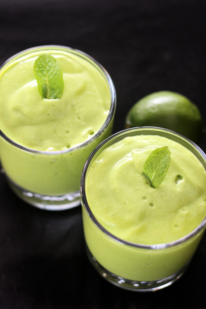 green keto mojito smoothie in small cups