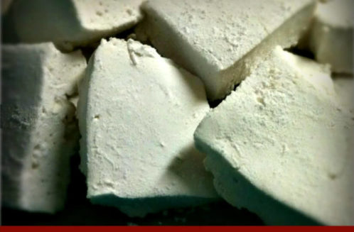 Simple Homemade Marshmallows from The Coconut Mama