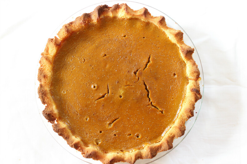 Healthy Gluten Free Pumpkin Pie - The Coconut Mama